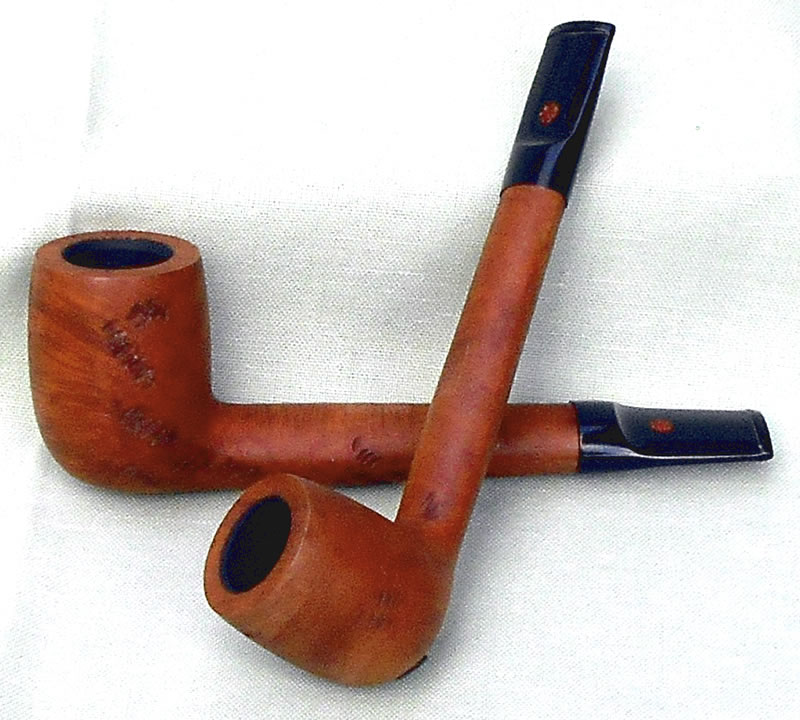 Lorenzo Canadian shape Spot-carved pipe