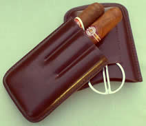 Case for 2 Robusto cigars Firm brown Leather, Cutter pocket